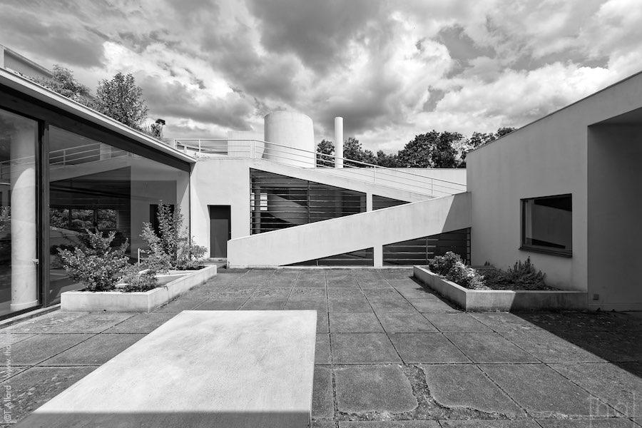 Ballade architecturale à la Villa Savoye de Le Corbusier
