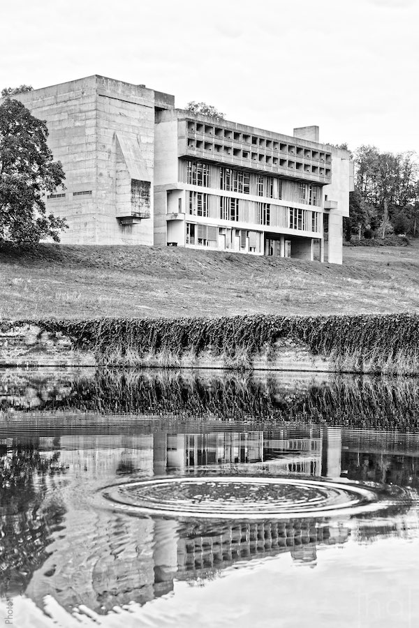 Convent of La Tourette reflected in the water of a basin